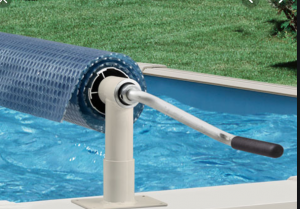 swimming pool cover on roller